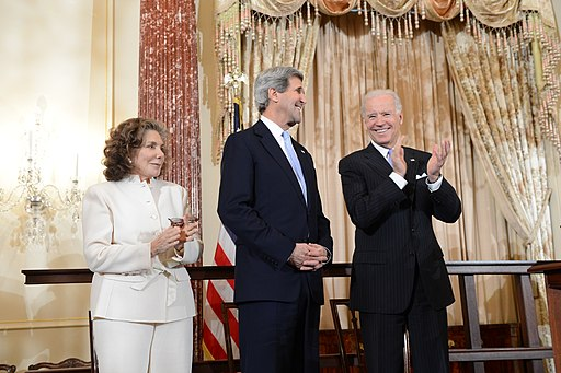 Vice President Biden Applauds Secretary Kerry and His Wife Teresa Heinz Kerry