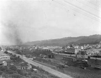 Taumarunui railway station - 1916 view of station and yards