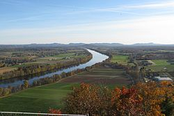 View south from Sugarloaf Mountain, Deerfield MA.jpg