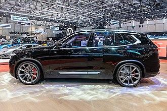 Automotive industry in Vietnam - VinFast LUX SUV V8 at General Motor Show 2019