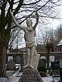 Voorhout Kerkhof beeld.jpg