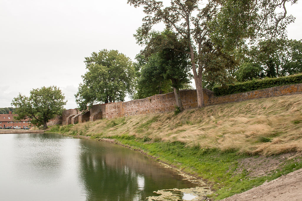 Vordingborg, remains of the city wall.jpg