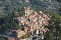 Vue du village de Coaraze depuis la piste de la Baisse de la Minière.jpg