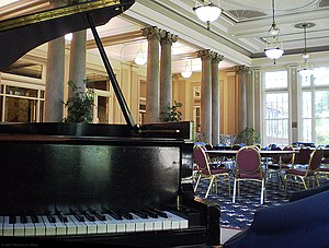 William Pitt Union - The Lower Lounge atrium in the William Pitt Union often serves as place of rest or study for students, or for university functions.