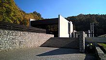 cfd8ce5b7 Krematórium a Urnový háj v Bratislave – Wikipédia