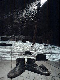 Waiting for Godot set Theatre Royal Haymarket 2009