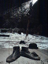Waiting for Godot set Theatre Royal Haymarket 2009