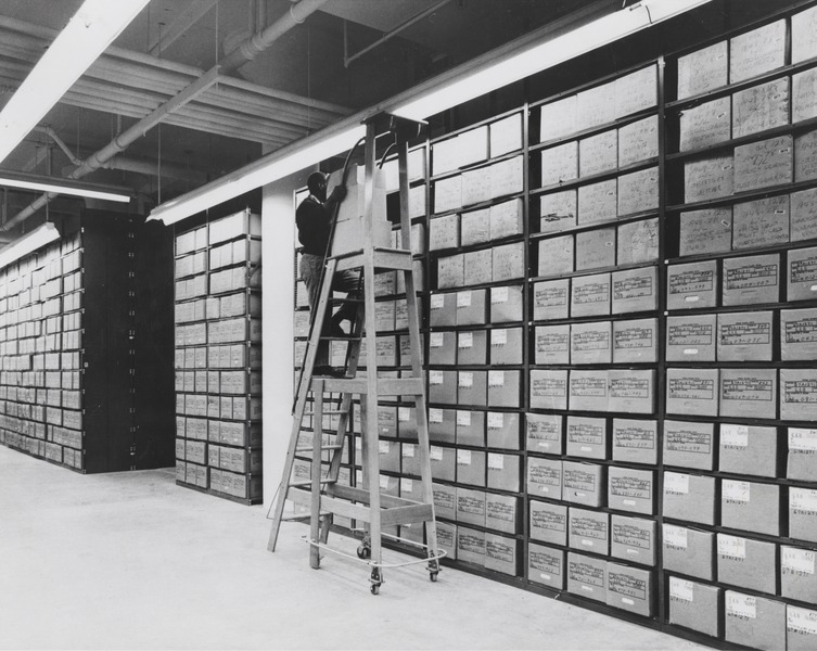 File:Washington National Records Center Stack Area with Employee Servicing Records.tif
