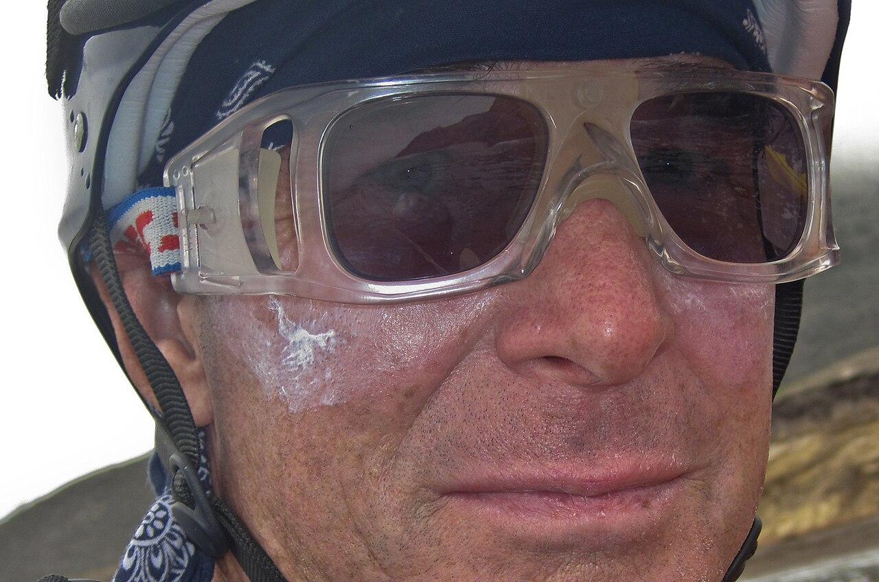f0b1e6058861 Sunglasses - Wikiwand