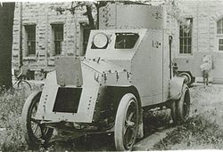 White-armored-car-4x2-1916-haugh.jpg