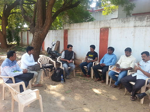 Wikipedians discussing with members of Bidar photography society