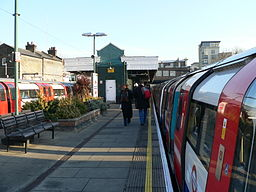 Willesden Green tube station 2005-12-10 02