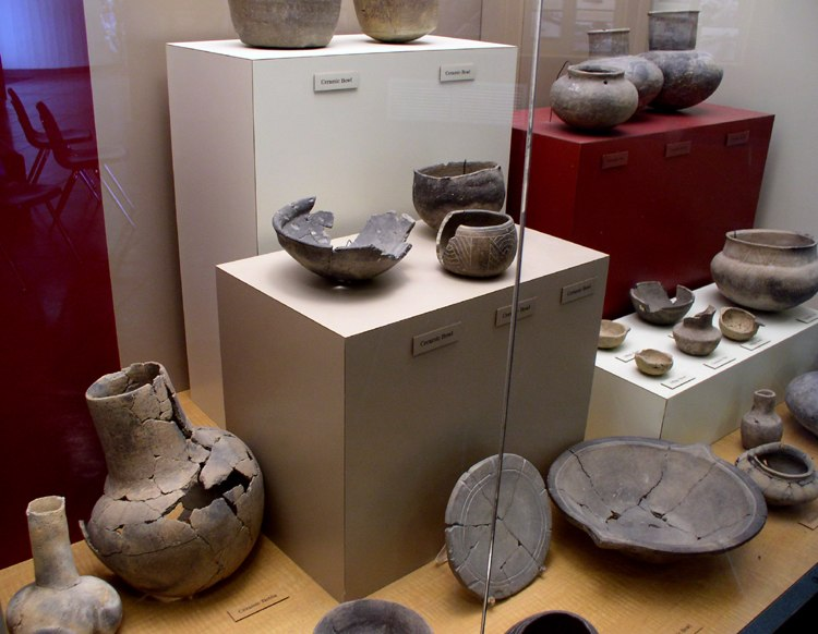 Winterville pottery HRoe 2004
