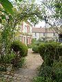 Wy-dit-Joli-Village (95), musée de l'Outil, jardin 1.JPG
