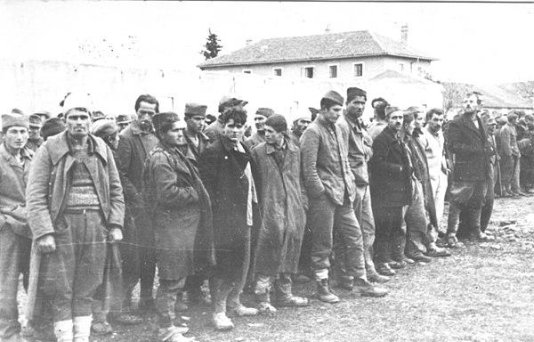 Zarobljeni suborci Nemci, četnici i ustaše nakon borbi za Knin, prosinac 1944.