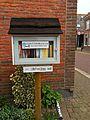 'Little Free Library' Raadhuisstraat Oosthuizen (16750722138).jpg