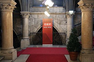 Österreichischer Filmpreis 2015 Wiener Rathaus Stiege ORF.jpg