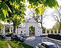 Брама палацу Вишневецьких P1610886.jpg
