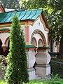 Крыльцо Церковь Николая Чудотворца на Берсеневке в Верх. Садовниках Москва 2.JPG