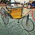 Реплика первого автомобиля в музее автомобильной техники УГМК.jpg