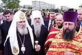 Святейший Патриарх Алексий II во время своего визита в приход. Май 2002 года.jpg
