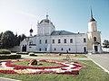 Фасад Ново-Голутвина монастыря.JPG