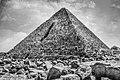عظمة المعالم عندما يكون هذا اصغر الاهرامات ويعجز العالم عن معرفة سر بنائها.jpg