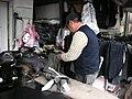 榮民總醫院旁賣長褲的阿伯 - panoramio.jpg