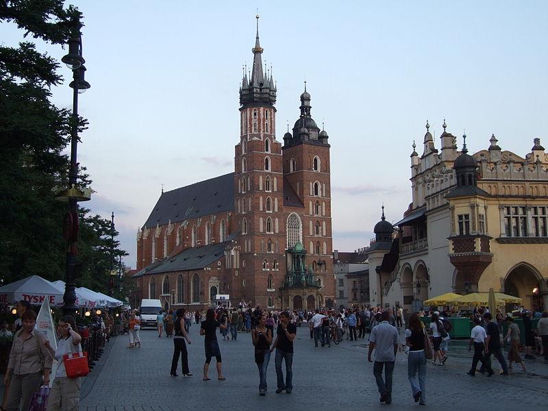 bryła bazyliki mariackiej w Krakowie