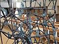 1130 Kardinal König-Platz 1 Lainzer Straße - Konzilsgedächtniskirche - Bronzeplastik Hängeweltflämmler von Gunter Damisch 2014 IMG 3055.jpg