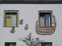 1170 Andergasse 10-22 - Ernest Bevin-Hof - Hundertwasser-Fassade IMG 5034.jpg