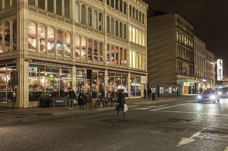 File:16-11-15-Straßenszene Glasgow-RR2 7251.jpg