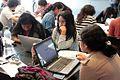 17. Editores y editoras trabajando en la II Editatón de Arte y Feminismo en Lima, 2105.JPG
