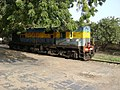 17660 WDM-2 loco at (Dronachalam) Dhone Junction.jpg
