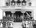 1899. Ламы и почетные буряты у дацана.jpg