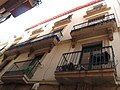 189 Edifici al c. Sant Oleguer, 3 (Valls), balcons.jpg