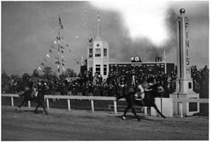 1943 Kentucky Derby - Count Fleet winning the 1943 Kentucky Derby