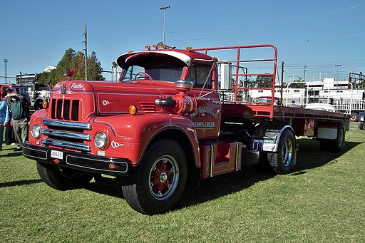 1962 International R200 prime mover (5987130166)