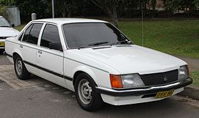 1983 Holden Commodore (VH) SL sedan (24203476572).jpg