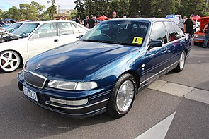 1998 Holden Caprice (VS III) sedan (14301045303).jpg
