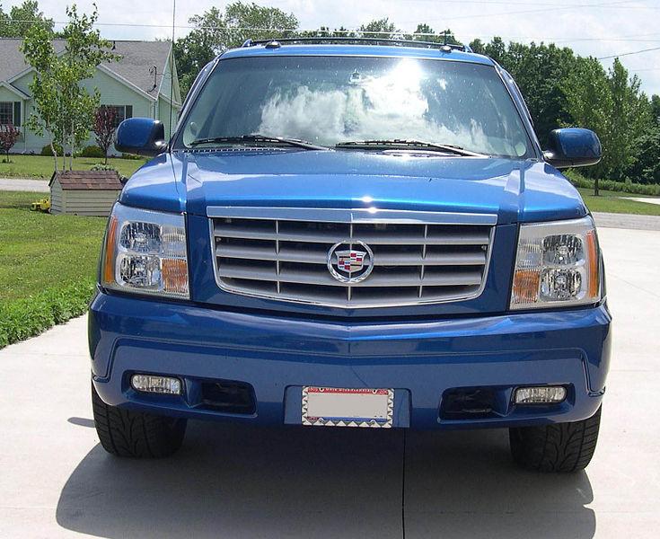 File:2003 Cadillac Escalade EXT front.JPG