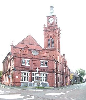 Earlestown - Image: 2004 10 16 Earlestown Town Hall