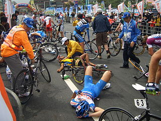 A crash during Tour de Taiwan 2008