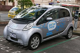 2010 Mitsubishi i-MiEV (GA MY10) hatchback, Positive Charge, using ChargePoint station, 1 David Street, Brunswick, Victoria (2015-07-15) 02.jpg