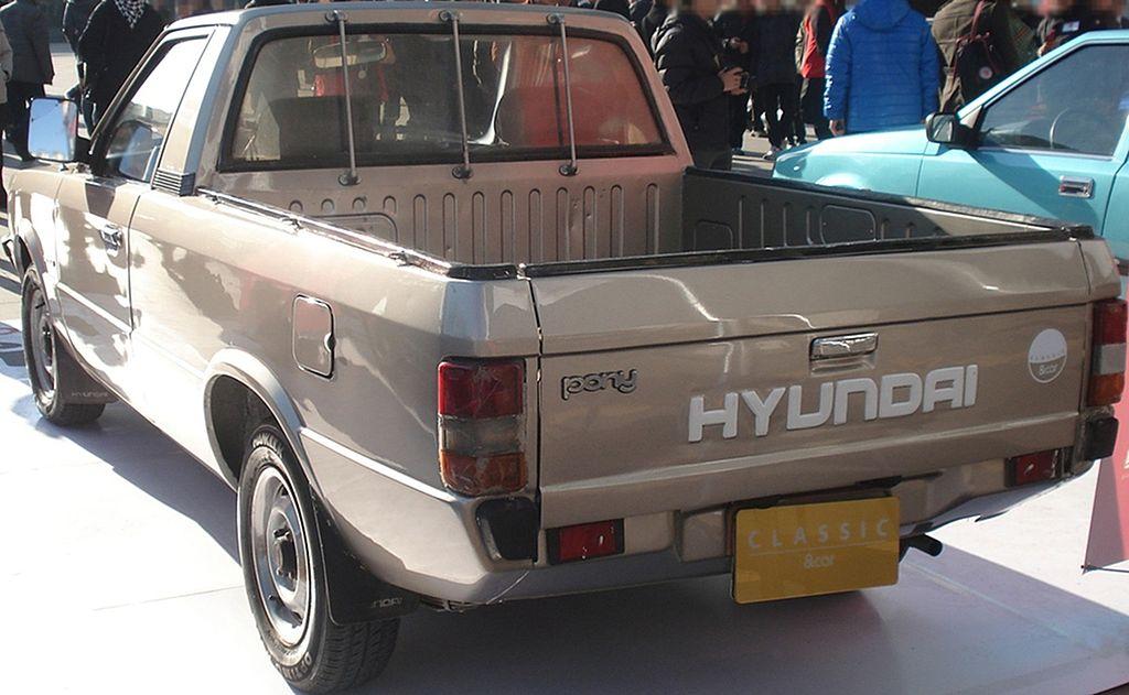 File:20121201 hyundai pony2 pick up 02.jpg - Wikimedia Commons