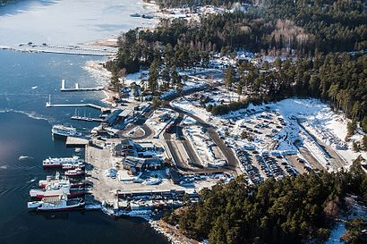 How to get to Stavsnäs Vinterhamn with public transit - About the place