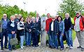 """2014-05-17 Fahrradtour Freundeskreis Hannover Maschsee Edelhof Ricklingen Park der Sinne, (217) mit Bürgermeister Thomas Prinz am """"Spendemal"""" von Andreas Rimkus.jpg"""