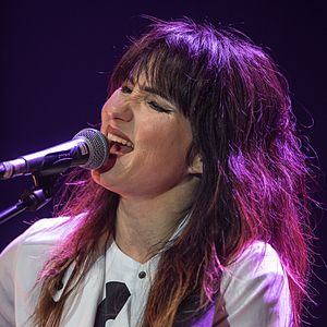 KT Tunstall - Tunstall performing live at a solo concert during her 2017 KIN Tour