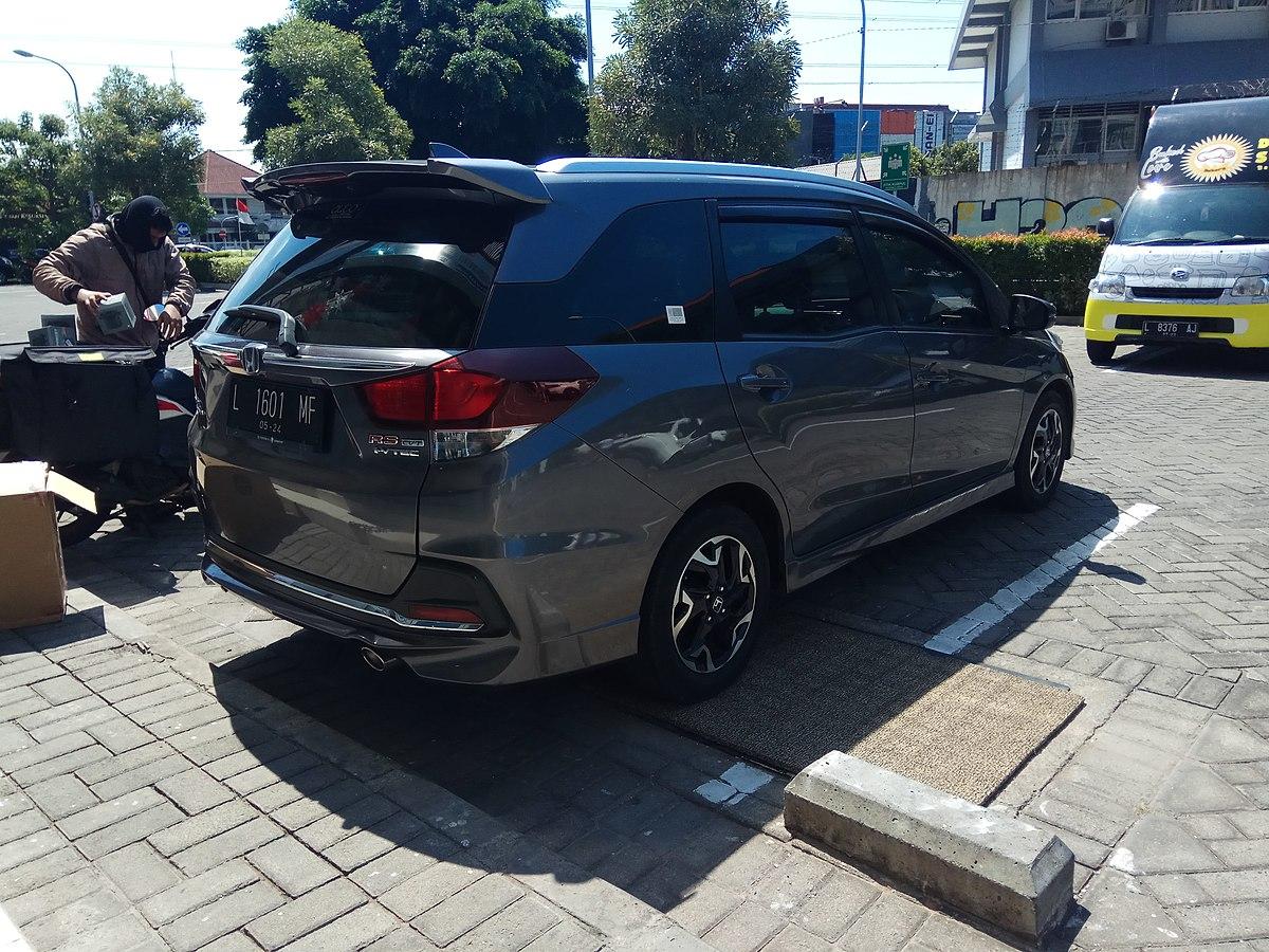 File:2019 Honda Mobilio 1.5 RS CVT (rear), West Surabaya ...