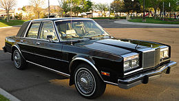 Una Chrysler New Yorker del 1984